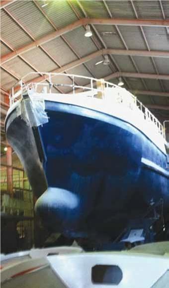 Корпус нового траулера для ловли тунца, изготовленный из стекловолокна, повышает термическую эффективность системы охлаждения